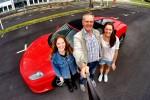 Gavekortet gir en kjøretur i en Ferrari