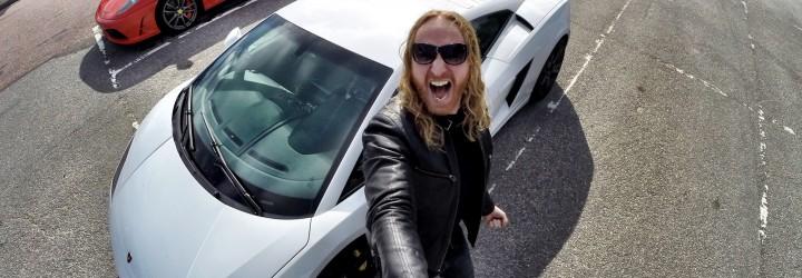 Kör Ferrari & Lamborghin upplevelse